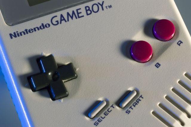 В реализацию  выходит новая версия  известной  приставки Game Boy