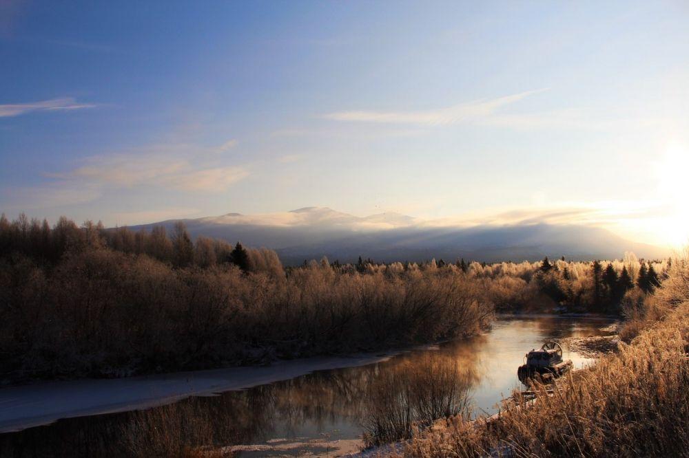Интересно, что в отличие от своих соседок, которые являются лишь крохотными боковыми притоками Печоры и Оби, наша заповедная река Вишера вполне обоснованно претендует на более высокий географический статус.