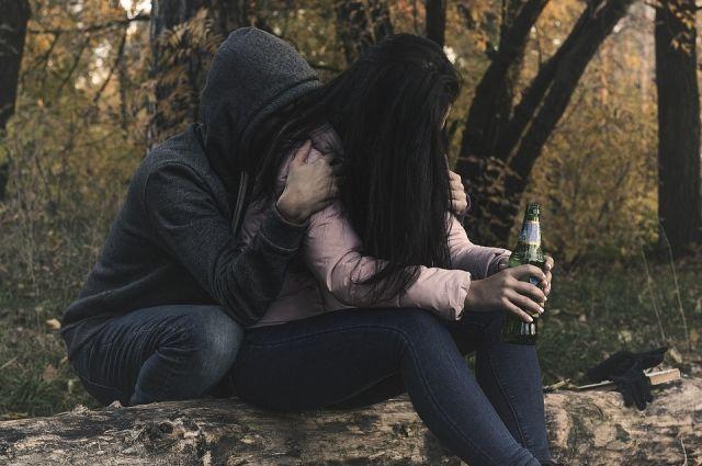 Девочку склоняли к употреблению алкоголя.