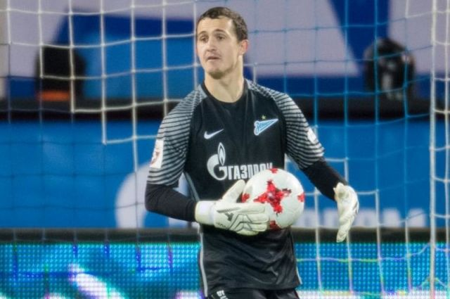 Вратарь «Зенита» Андрей Лунёв обновляется после операции намениске