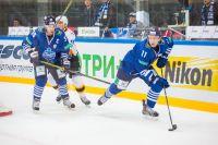 Приморские хоккеисты стараются быть ближе к фанатам спорта с клюшкой и шайбой.