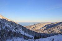 Зимой на Мамае выпадает до шести метров снега.