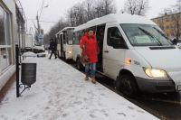 Из тюменского маршрутного такси пассажир был вынужден выпрыгивать на ходу