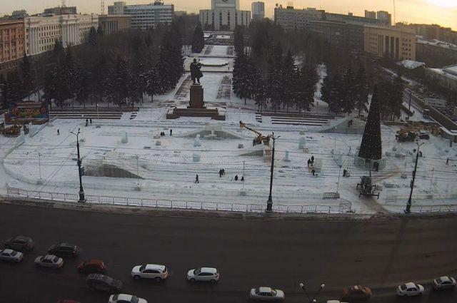 ВЧелябинске наплощади Революции переносится троллейбусная остановка