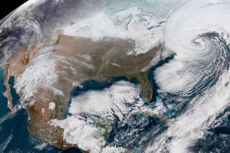 Буря у восточного побережья США 4 января 2018 года.