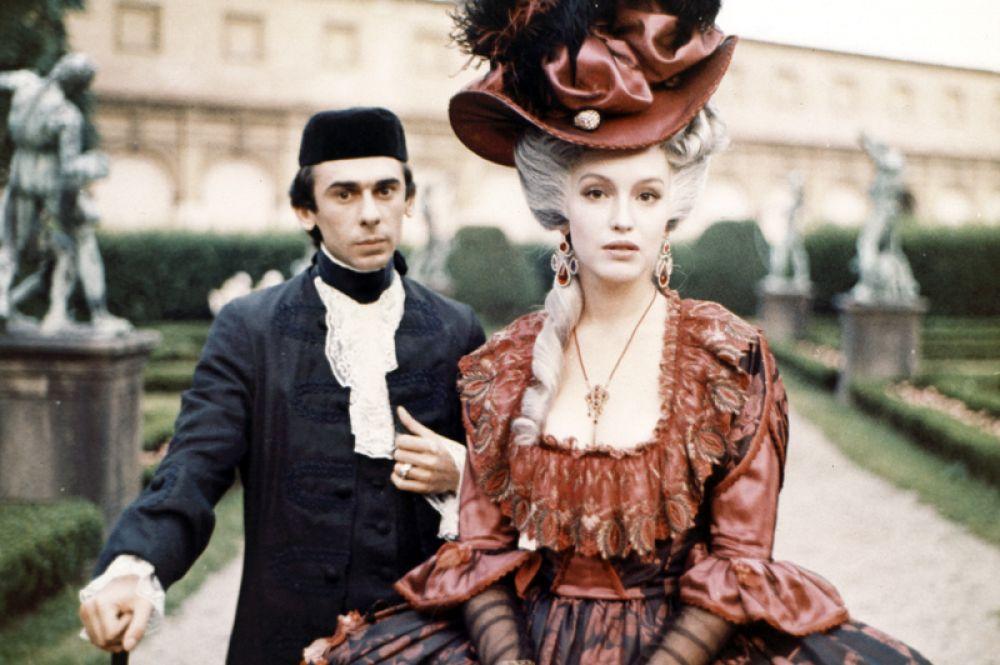 В исторической драме «Царская охота» (1990) Виталия Мельникова актриса сыграла княжну Тараканову.
