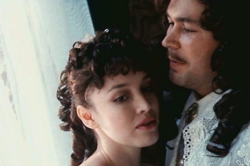 В начале 1990-х годов на счету Анны Самохиной было несколько десятков ролей в фильмах разных жанров. «Тартюф» (1992).