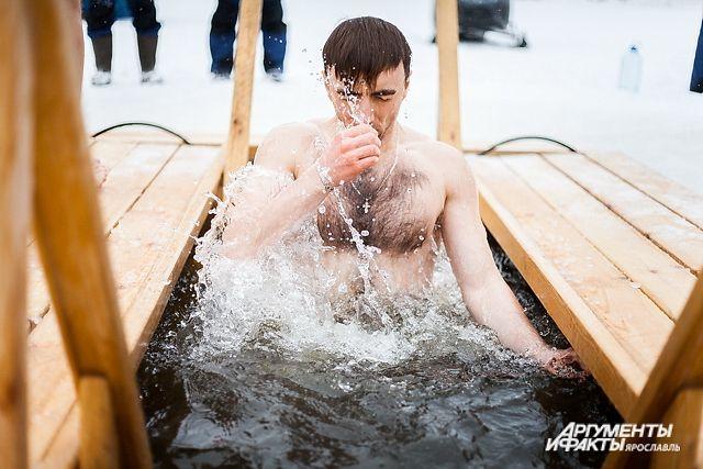 Можно ли купаться на Крещение, не посетив храм?