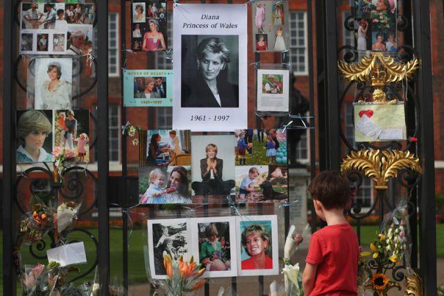 Встолице Англии изунивермага Harrods уберут монумент принцессе Диане