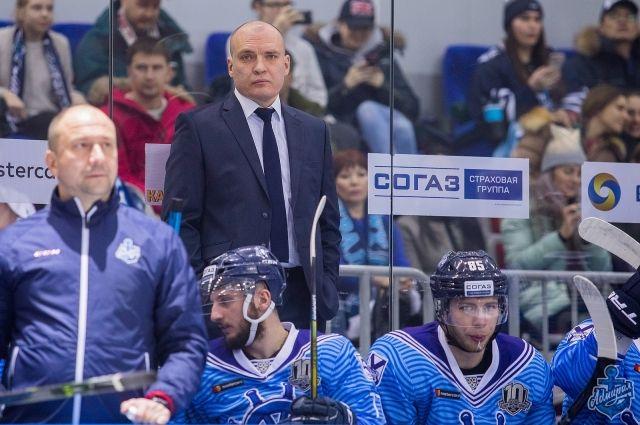 Андрей Разин покинул пост основного тренера «Адмирала»