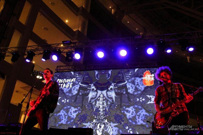Особый интерес публики вызвали немецкий музыканты из группы SUiT