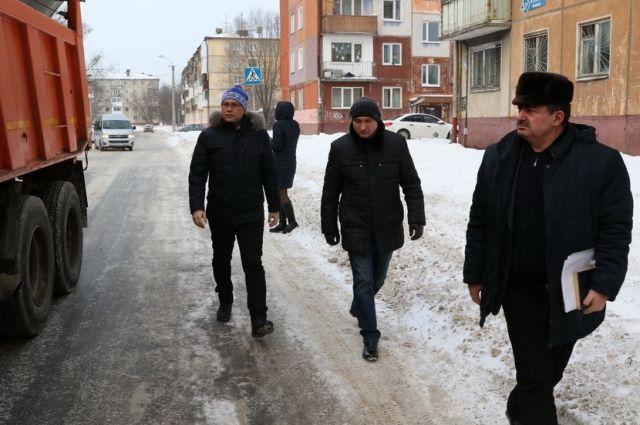 Илья Середюк проверил, как убирают снег в Кемерове.