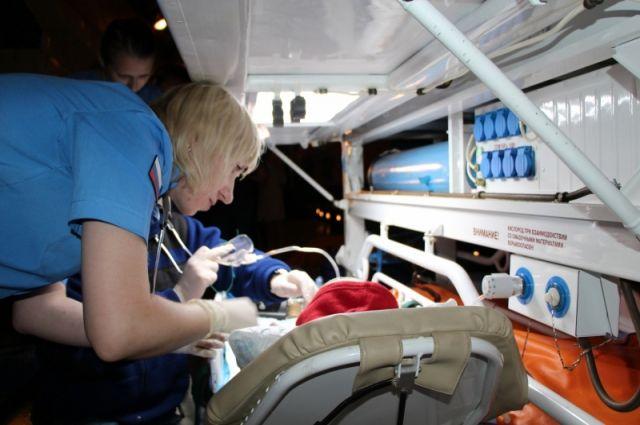 Четырех тяжелобольных крымских детей доставили спецбортом МЧС в столицуРФ