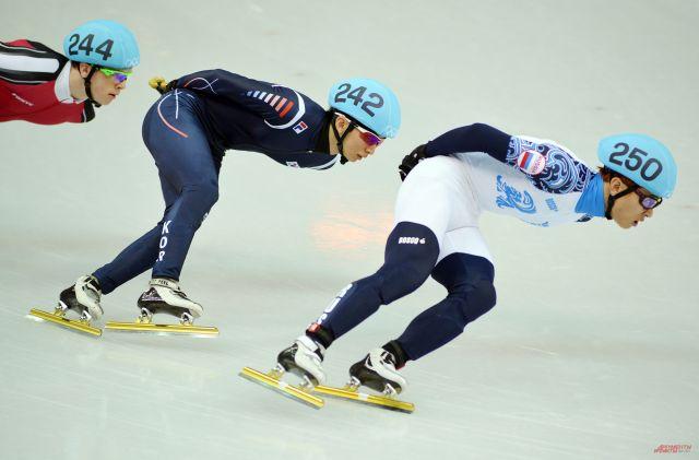 Сборная России завоевала восемь медалей на чемпионате Европы по шорт-треку