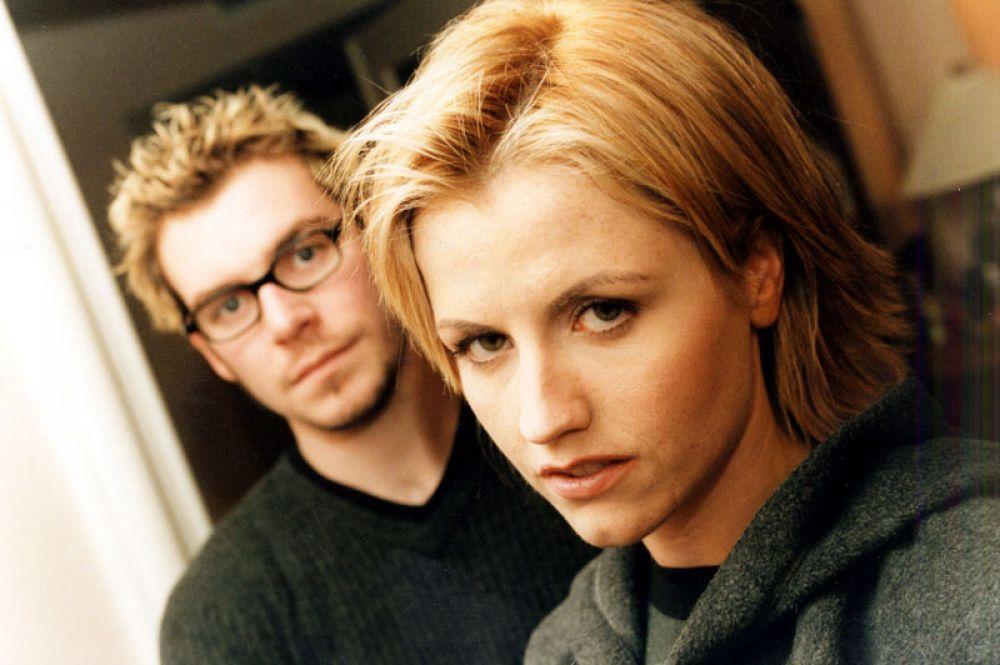 Солистка The Cranberries Долорес О'Риордан и ударник группы Фергал Лоулер, 1999 год.