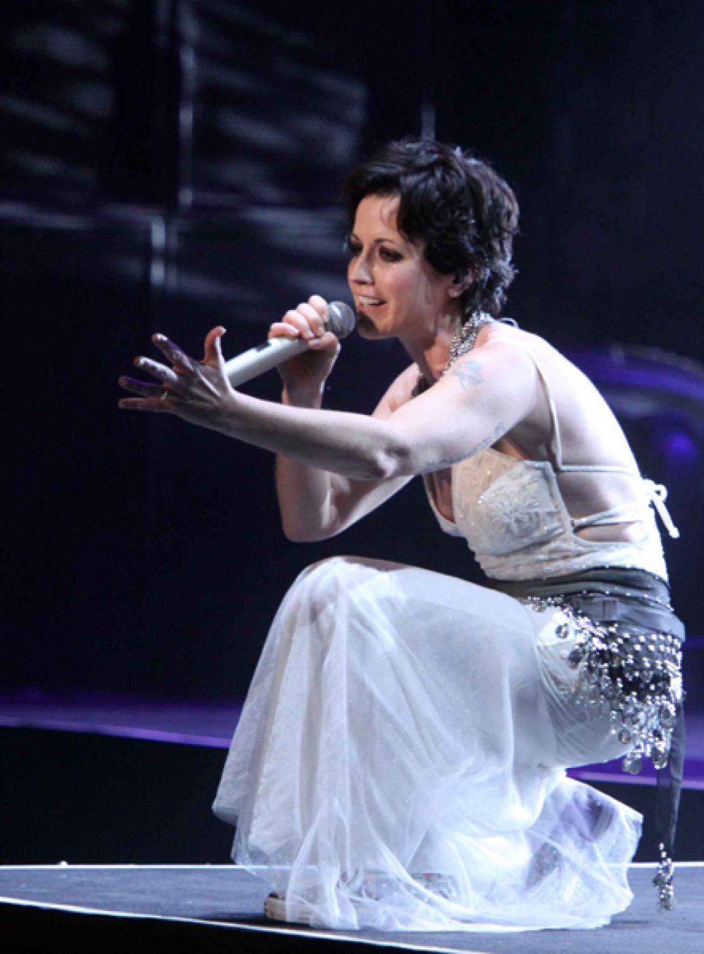Долорес О'Риордан выступает с The Cranberries в Пекине, Китай. 28 июля 2011 года.