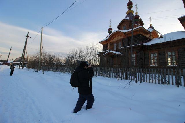 Фотографы были очарованы строгостью тайги, енисейским простором и небольшим, но очень красивым храмом.