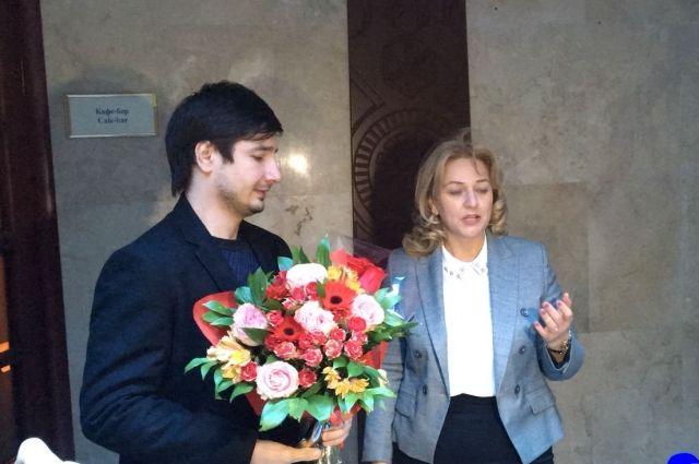 Абдусамад Гамидов поздравил Селима Алахярова спобедой впроекте «Голос»