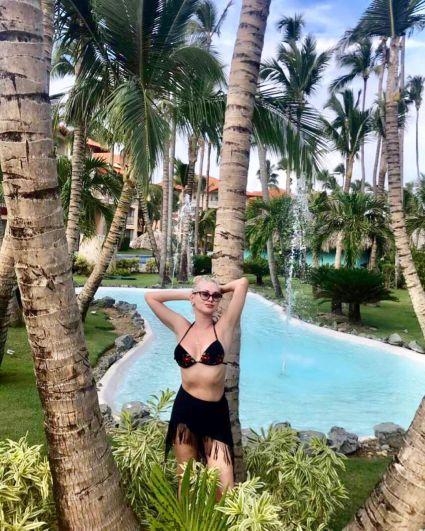 Катя Бужинская наслаждается отдыхом с мужем на Карибских островах. Море, солнце пляж, местные фрукты: что может быть прекраснее?