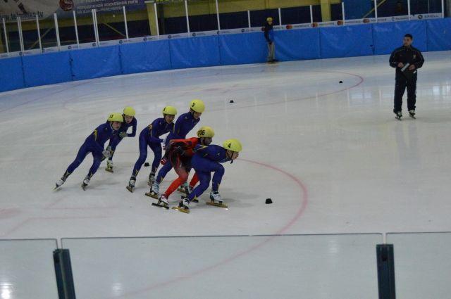 В Тарко-Сале ожидают конькобежцев из Приморского края