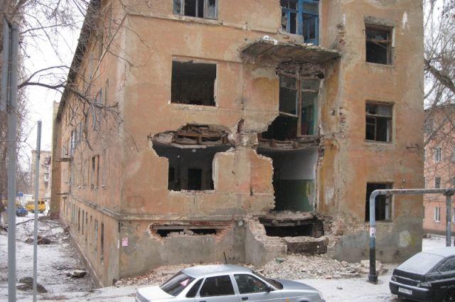 В этом жутком доме до сих пор живут 80 человек.