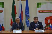Фарид Мухаметшин (слева) и Ильхам Валеев (справа).