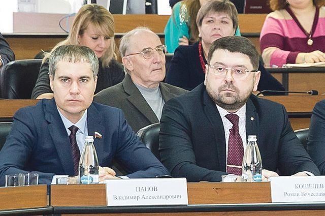 Владимир Панов, Роман Кошелев (на фото - слева направо) видят будущее Нижнего по-разному. Но у Панова взгляды совпадают с губернаторскими.