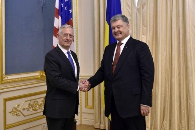 Порошенко: США поставят Украине комплексы Javelin за свой счет