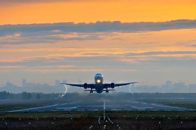 Задержанный в Мексике самолет с российскими туристами вылетел в Москву