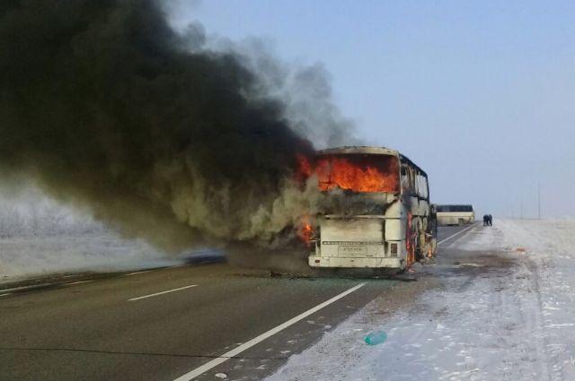 В Казахстане создана комиссия по расследованию инцидента с автобусом