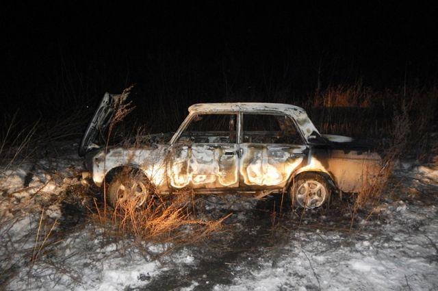 В Кемеровской области задержали воров, которые поджигали машины.