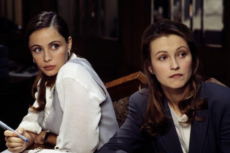 В 1996 году Дапкунайте снялась в американском боевике «Миссия невыполнима» в роли Ханны Уильямс.