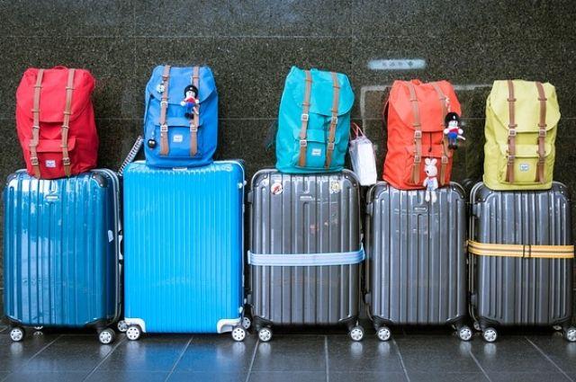 Горожане возмущены отношением сотрудников тюменского аэропорта к багажу