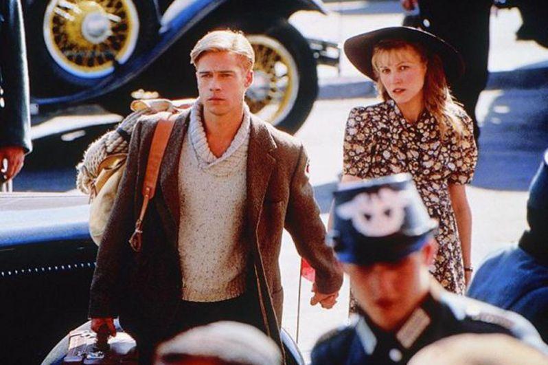 Ингеборга Дапкунайте в роли Ингрид Харрер и Брэд Питт в роли Генриха Харрера в фильме «Семь лет в Тибете» (1997).