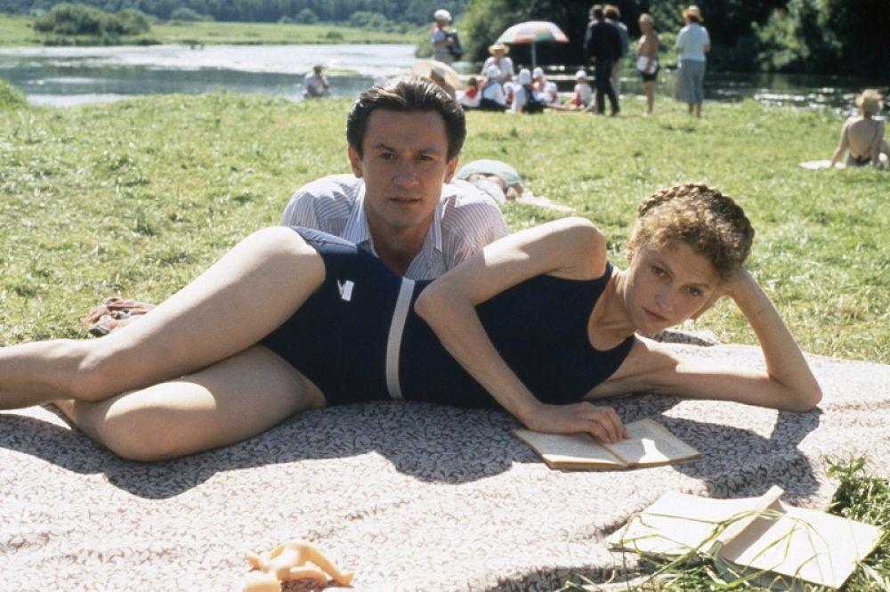 «Утомленные солнцем» (1994) — Маруся.
