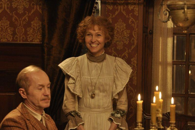 В российском телесериале «Шерлок Холмс» (2013) Ингеборга сыграла миссис Хадсон.