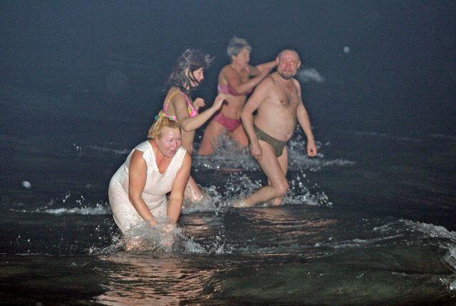 Окунуться в море на Крещение - особая радость.