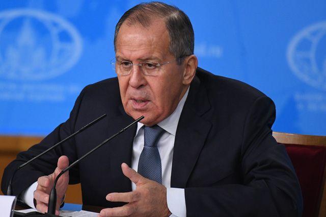 РФ не будет присоединяться к Договору о запрещении ядерного оружия – Лавров