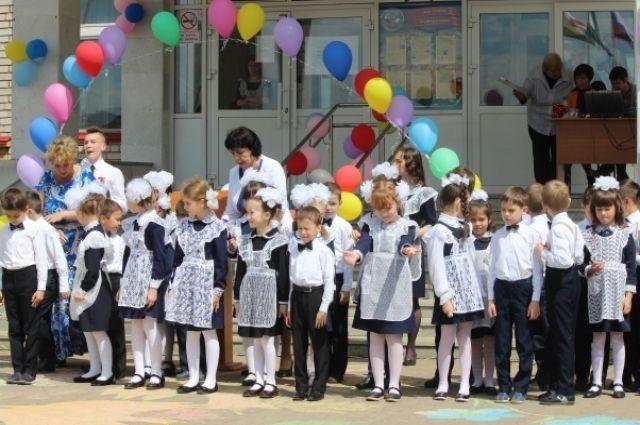 Задень втамбовские школы родители записали неменее 400 первоклассников