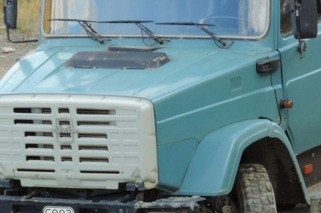 В Кемеровской области грузовик «ЗИЛ» сбил женщину.