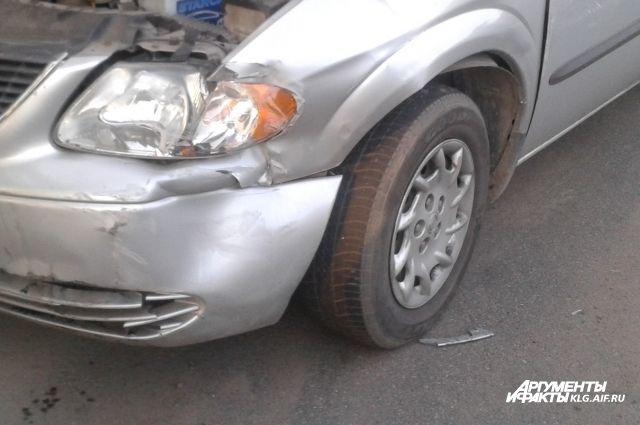 Житель Немана специально протаранил автомобили своего обидчика.
