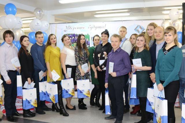Все молодые специалисты предприятия – выпускники ведущих технических вузов России.