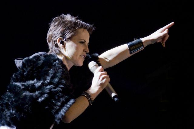 СМИ: Долорес О'Риордан похоронят на родине