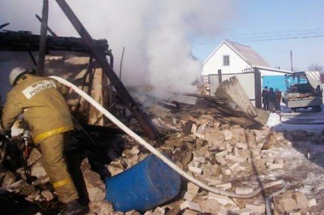 ВЗаводском районе ночью сгорел заброшенный дом