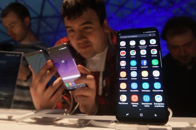 В России резко снизились цены на флагманский смартфон Samsung