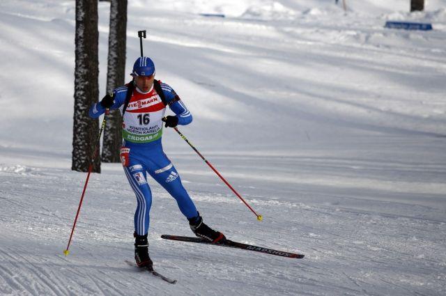 Шипулин занял третье место в гонке преследования на этапе КМ по биатлону
