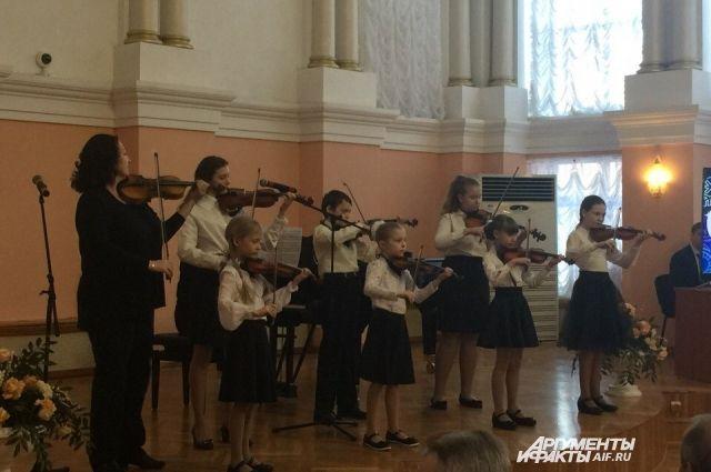 В Оренбурге открылся детский фестиваль искусств « Январские вечера».