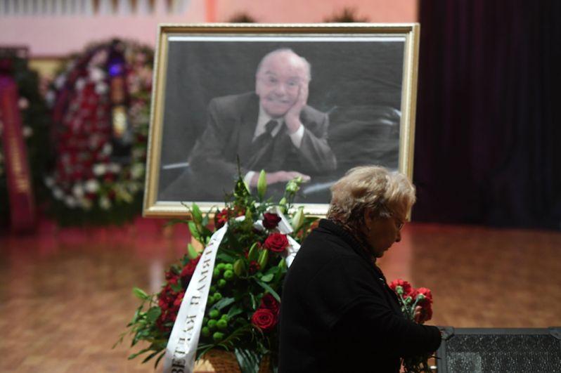 Церемония прощания с Владимиром Шаинским в Московском доме композиторов.