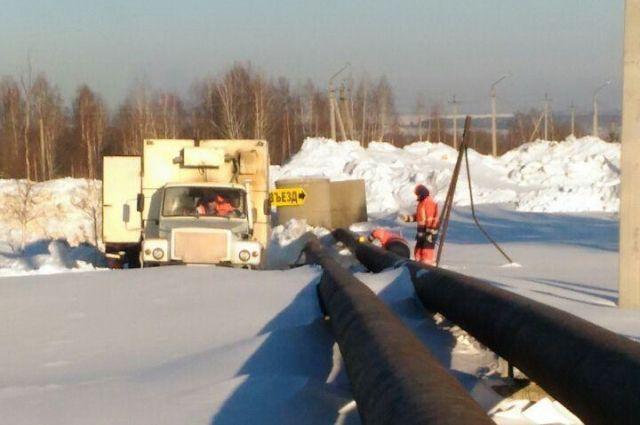 В поселке Кедровка произошла авария на подающем водоводе.