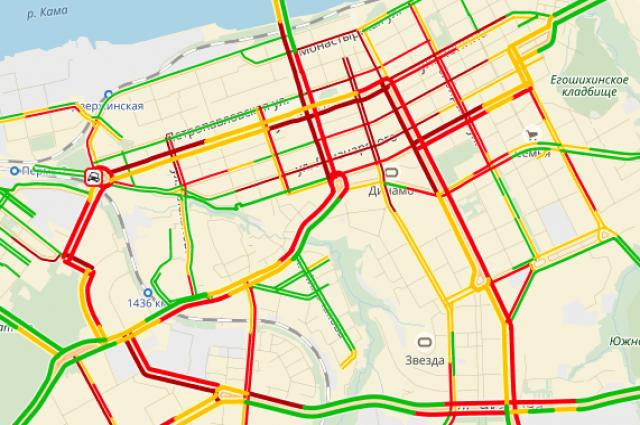 Скорость движения по главным городским магистралям не превышает 3-5 километров в час.